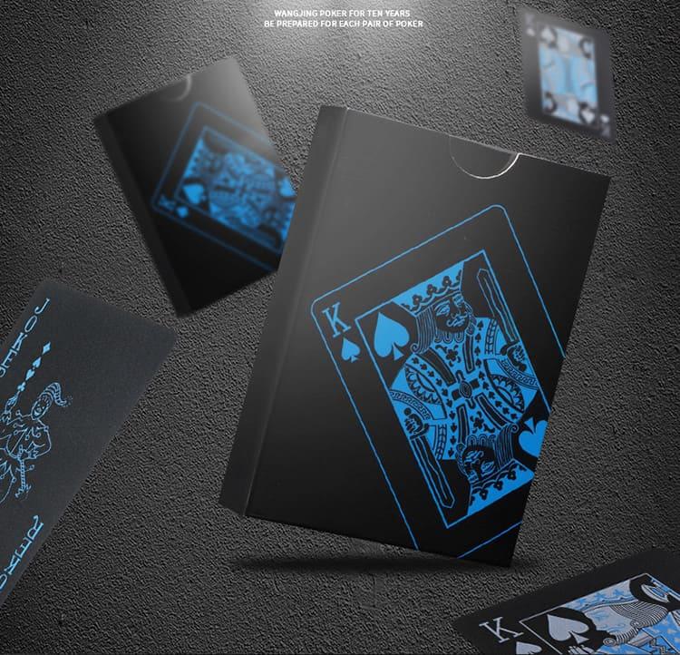 Пластиковые игральные карты выпускаются в разных оттенках