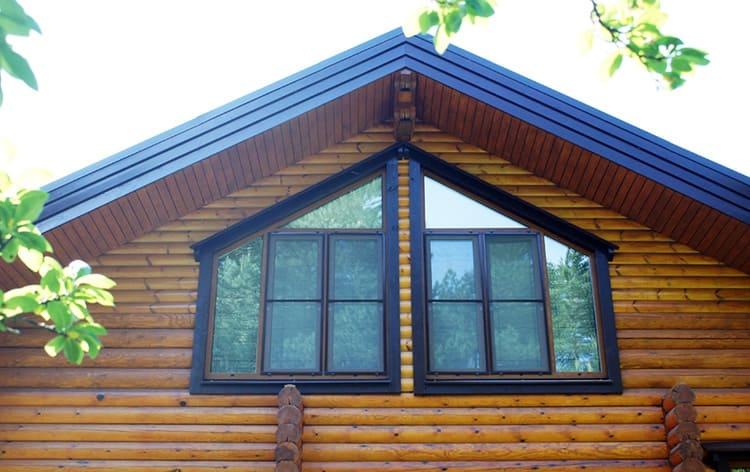 фото домов с окном вместо фронтона подробно рассказываю