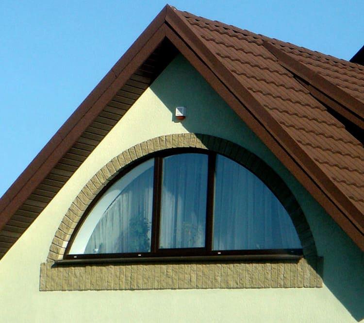 фото домов с окном вместо фронтона мест посадки