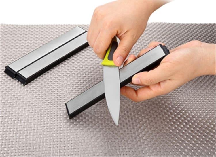 Не используйте посудомоечную машину для мытья ножей из керамики