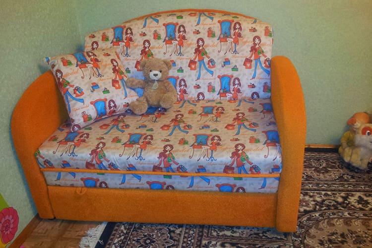 Детский диванчик для ребёнка от 2 лет