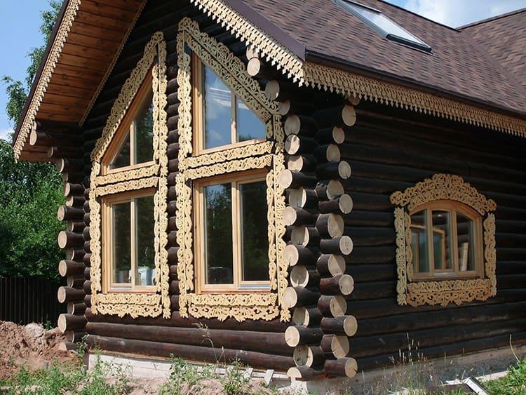 Вспомните знаменитое вологодское кружево – по сей день в Вологодской губернии сохранились старинные дома с фантастическими наличниками, от которых невозможно отвести глаз