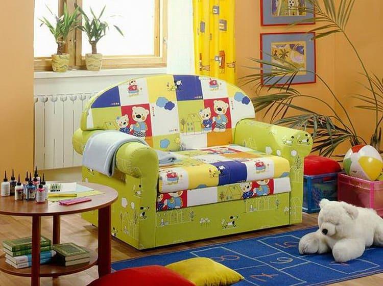 Для малышей нужно выбирать диванчик спокойных тонов