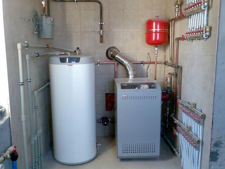 Двухконтурные газовые напольные котлы нагревают воду и прогревают воздух