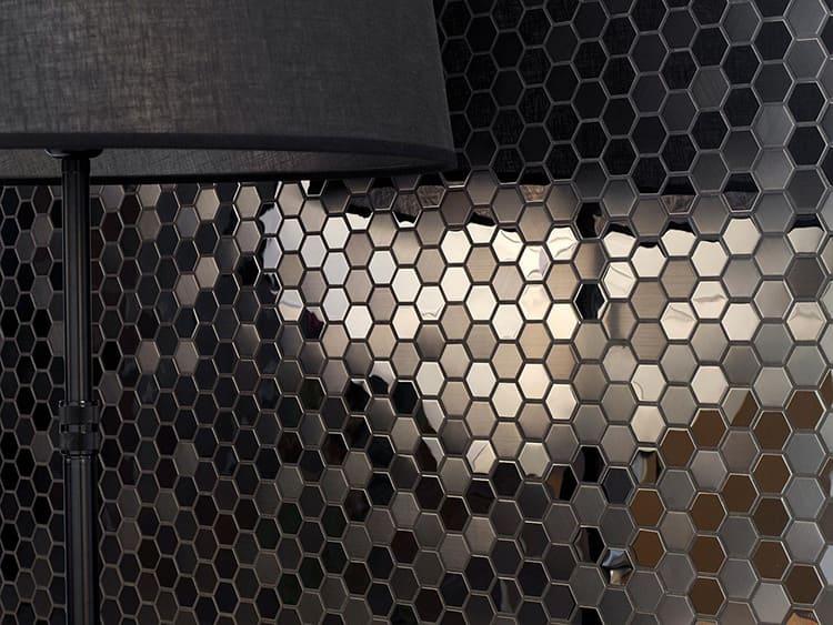 Для подобного покрытия применяют нержавеющую сталь в виде тонких листов в 0,5 мм, что обеспечивает лёгкость и прочность облицовки