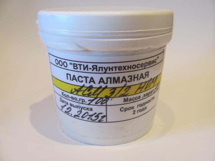 Химические моющие средства следует применять только, если нож жирный, в другом случае, его достаточно сполоснуть в проточной воде