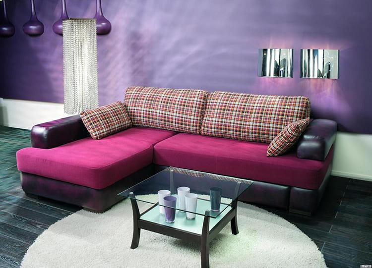 ФОТО: krovati-i-divany.ru Модуль имеет два элемента: прямоугольный и ровный. Меняя эти части местами можно собрать совершенно другой диван. Такие модели также называются трансформерами.