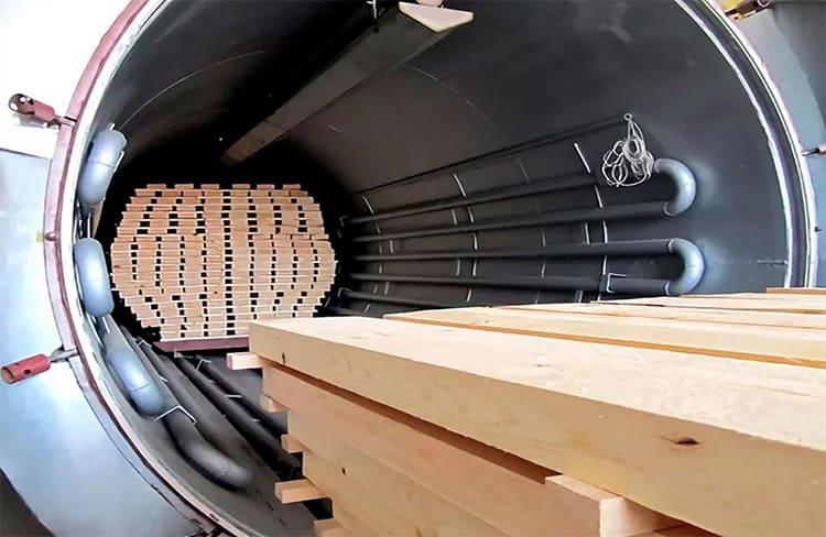 ФОТО: sampit.ru Работайте только с хорошо высушенной древесиной.