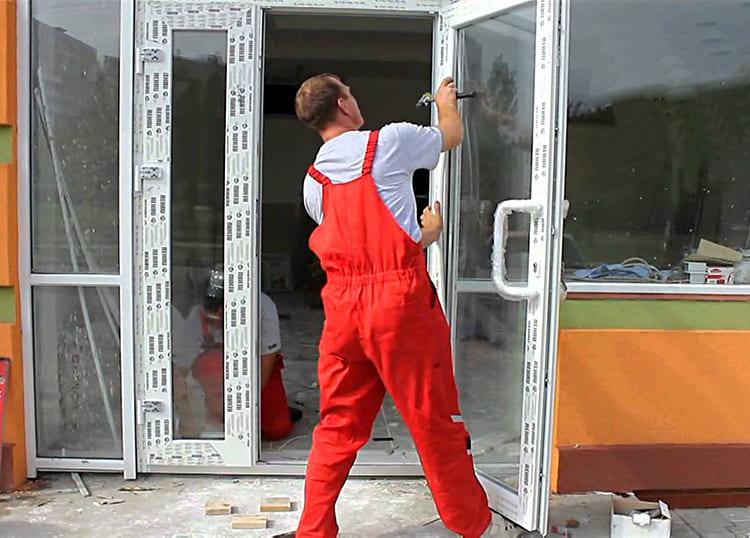 Эти двери ремонтопригодны, любые части их конструкции можно при необходимости заменить ФОТО: dvervdome.ru