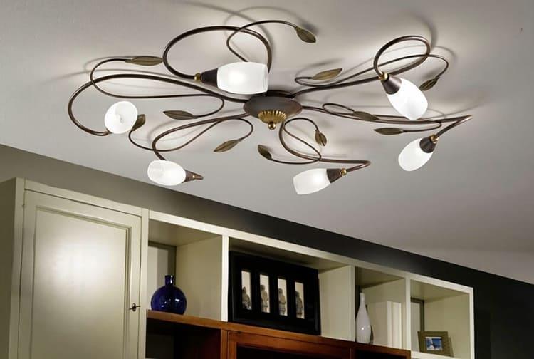Пусть она распластается по поверхности, разбросав множество маленьких лампочек ФОТО: 2proraba.com