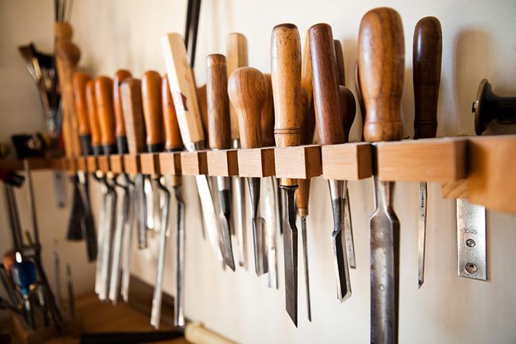 ФОТО: honestlywtf.com Столярный инструмент должен быть не только качественным, но и хорошо заточенным.