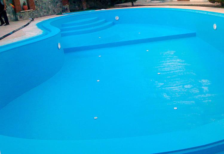 ФОТО: bau-prom.ru Защищённая чаша бассейна прослужит дольше