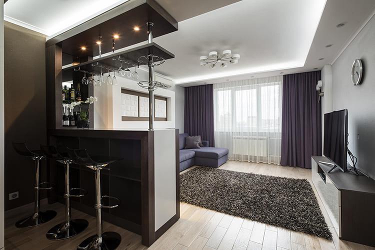 Цветовое оформление гостиной должно перекликаться с поверхностью столешницы ФОТО: links-stroy.ru