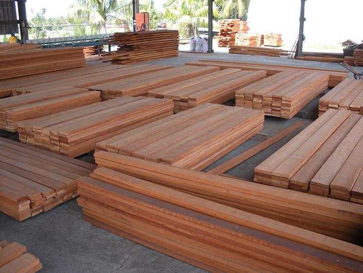 ФОТО: tumac-lumber.com От породы дерева зависит область её применения.