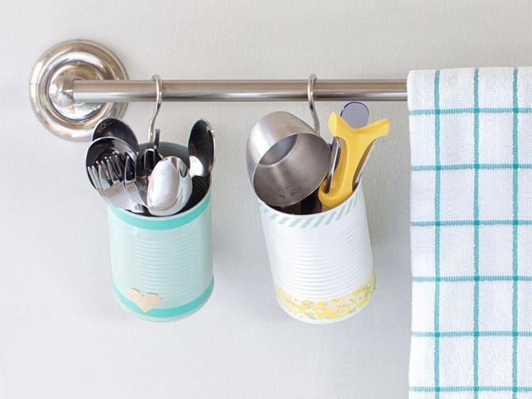 Кухонные органайзеры можно размещать на лоджии или балконе, если они совмещены с ней