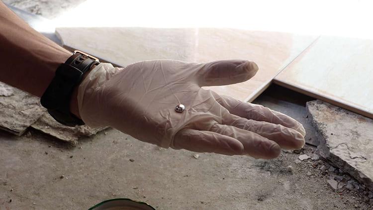 ФОТО: informator.news Именно потому, что хроническое отравление так трудно распознать, важно при повреждении ртутьсодержащих приборов тщательно собрать всё вещество, не оставляя ни грамма.