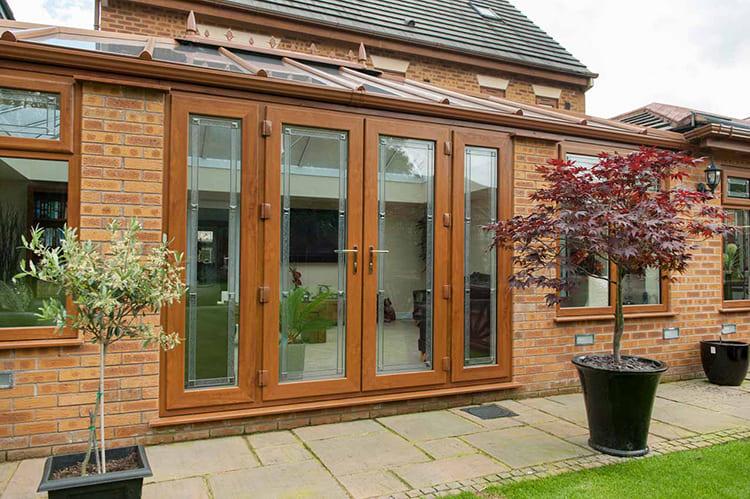 Застекляют такие двери такими же стеклопакетами с закалённым стеклом, как и окна ФОТО: discountwindowsandconservatories.co.uk