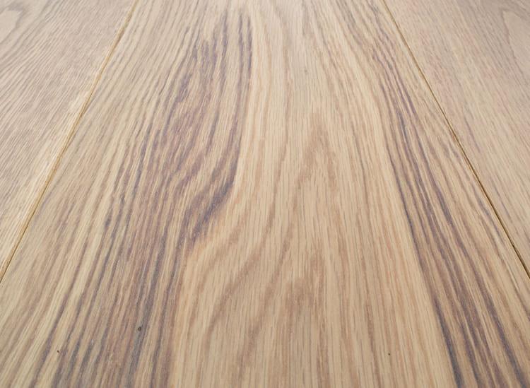 ФОТО: eti-online.org Дубовая древесина пользуется большой популярностью.