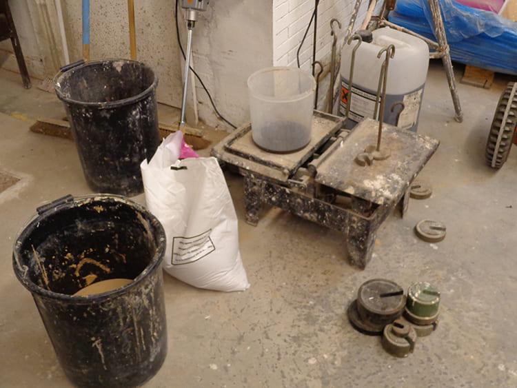 ФОТО: madebybaurley.files.wordpress.com Процент введённого жидкого стекла влияет на множество параметров