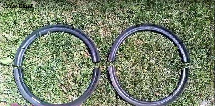 Ещё два таких кольца нужно разрезать пополам, чтобы получилось 4 полукольца