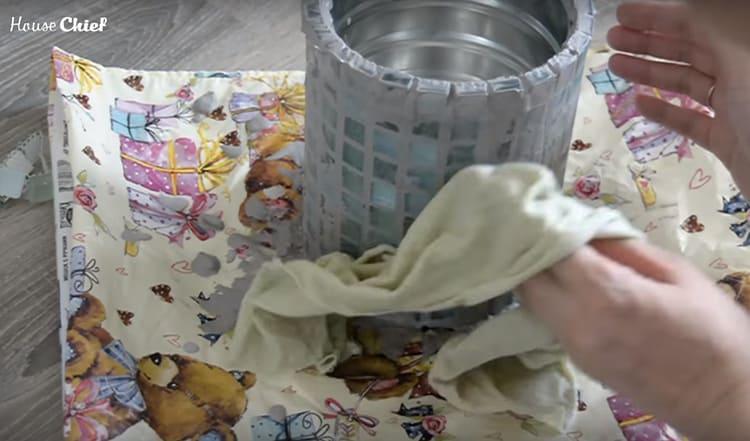 Излишки затирки я сняла влажной тряпкой, а когда всё высохло – натёрла сухой тканью