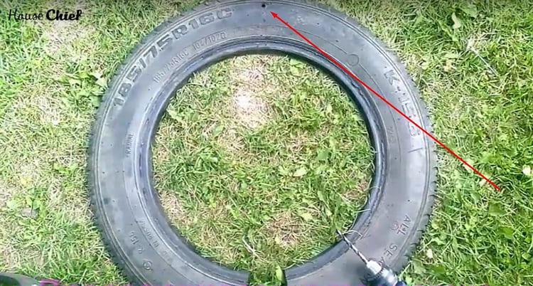Третье отверстие ровно на вершине разрезанного кольца