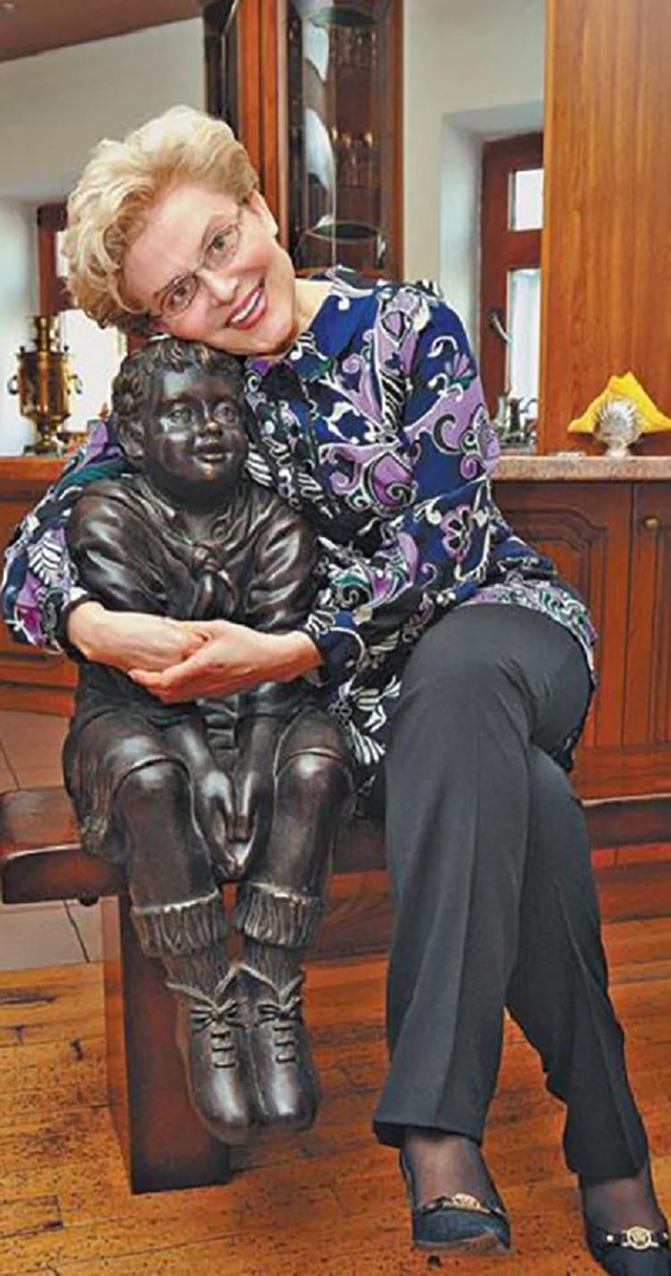 Любимая статуэтка Елены Малышевой