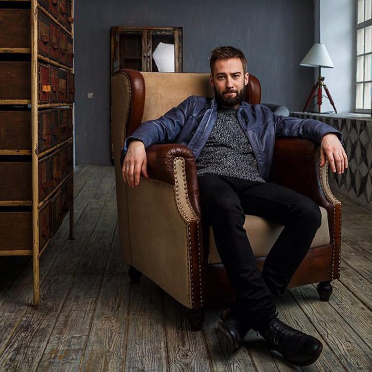 ФОТО: fashion-int.ru Брутальный интерьер съёмной квартиры Дмитрия Шепелева.