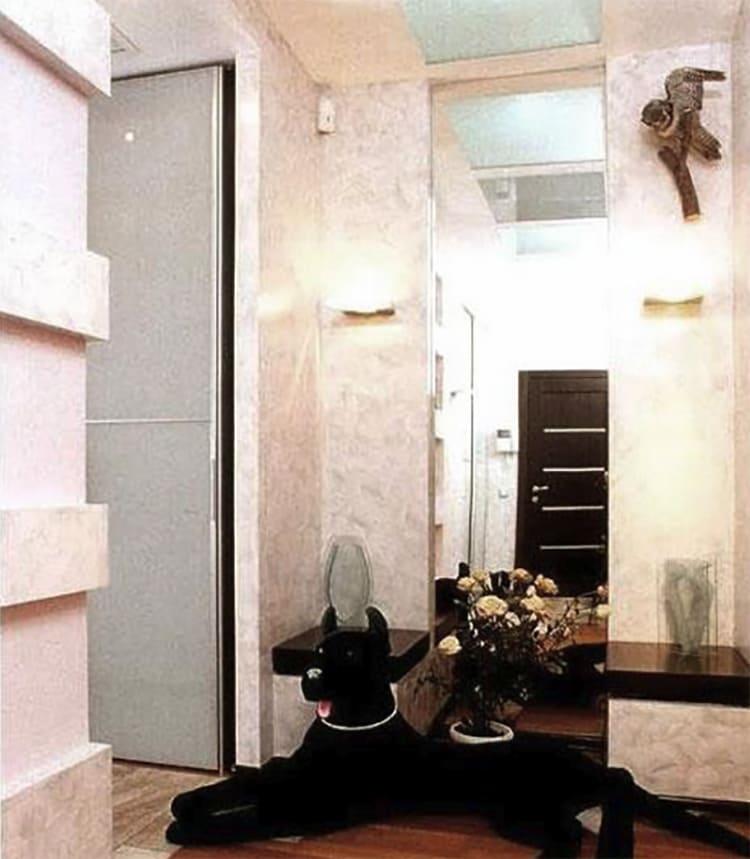 ФОТО: fashion-int.ru Для отделки прихожей выбрали покраску стен в светлой молочной гамме.