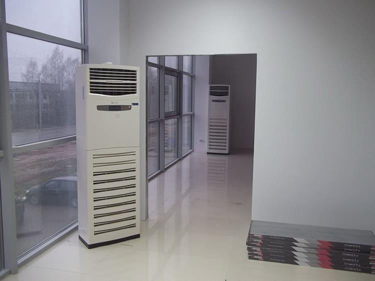 Напольные фанкойлы прекрасно подходят и для отопления, и для охлаждения воздуха ФОТО: aiservice.ru