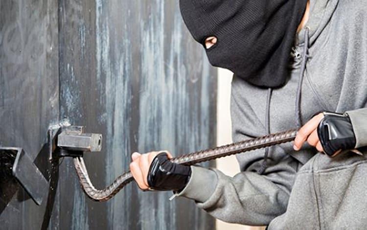 Сигналы от них поступают на пульт охраны немедленно, при обнаружении незаконного проникновения ФОТО: ranak.me
