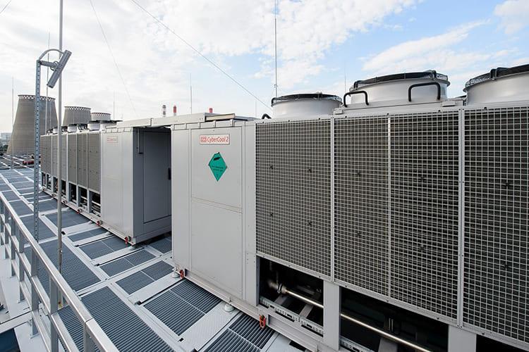 Чиллер — холодильная установка, которая используется в связке с фанкойлом ФОТО: vent365.ru