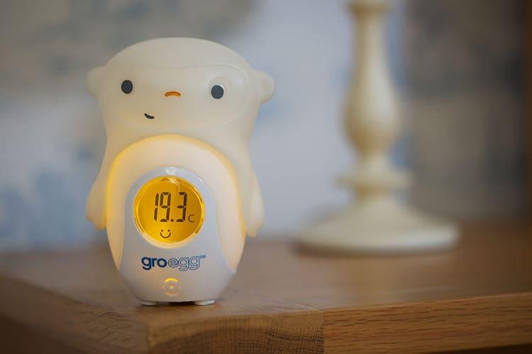 Если умный дом переведён в режим отсутствия хозяев, то он будет поддерживать минимально допустимую температуру, не расходуя лишних энергоресурсов ФОТО: sweeky.ru