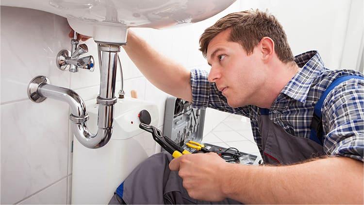 Система может даже подать сигнал тревоги хозяину при обнаружении протечки и заблокировать до приезда аварийной бригады поступление воды ФОТО: i.pinimg.com