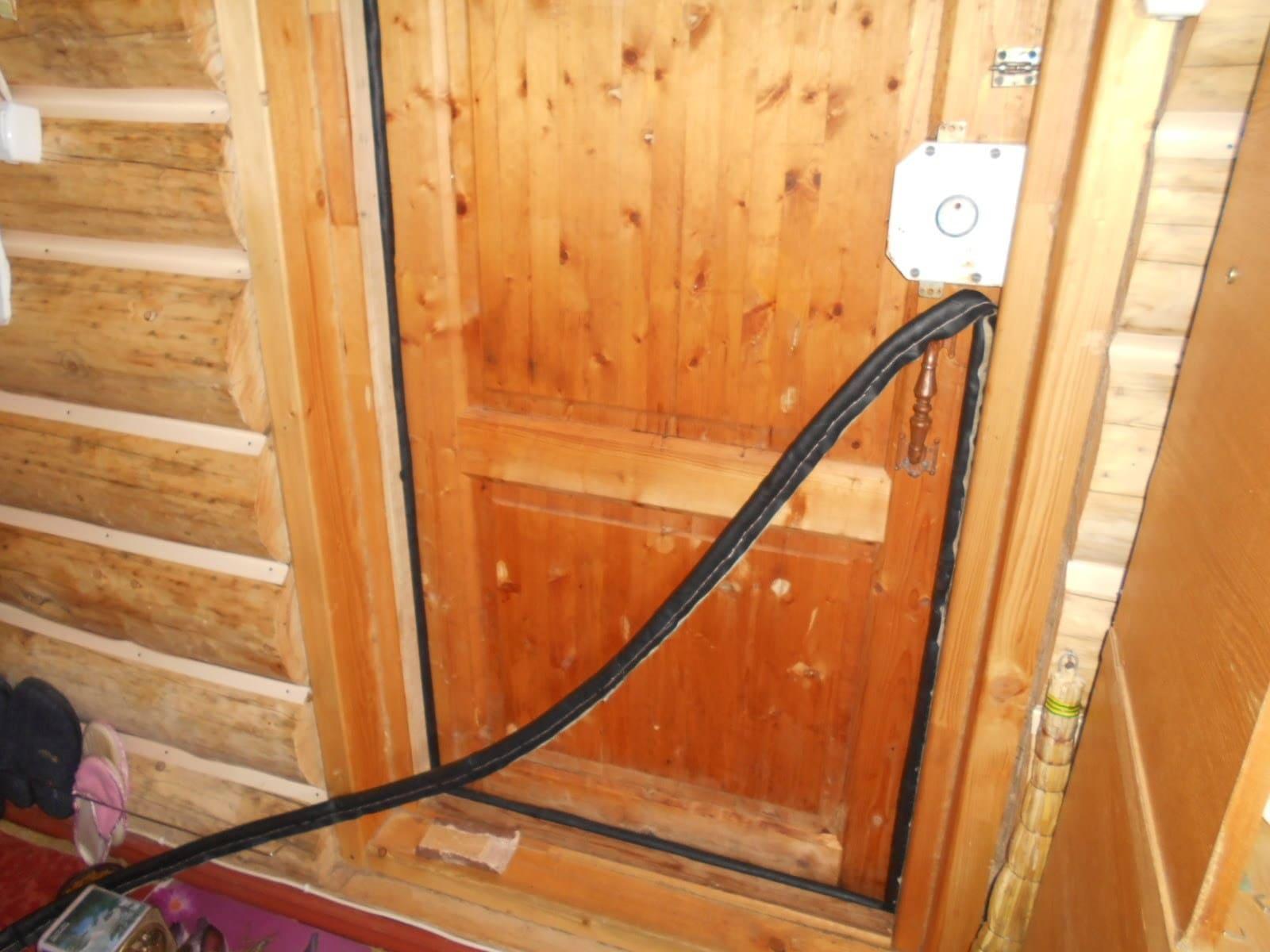 Для входных дверей следует выбирать подходящий уплотнительФОТО: i2.wp.com