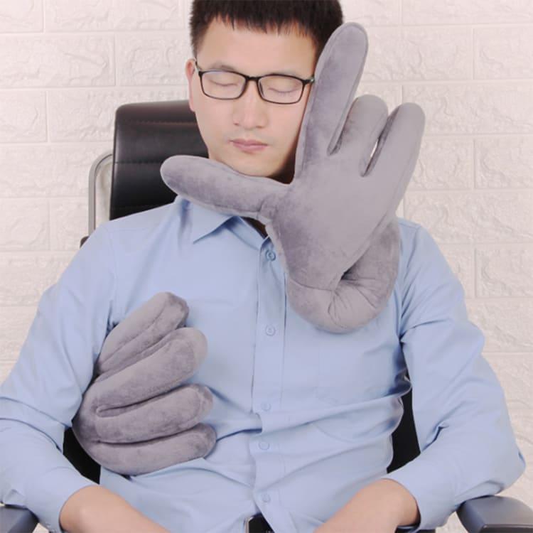 Очень интересно посмотреть на того человека, который купит эту подушку, да ещё по такой ценеФОТО: ru.aliexpress.com
