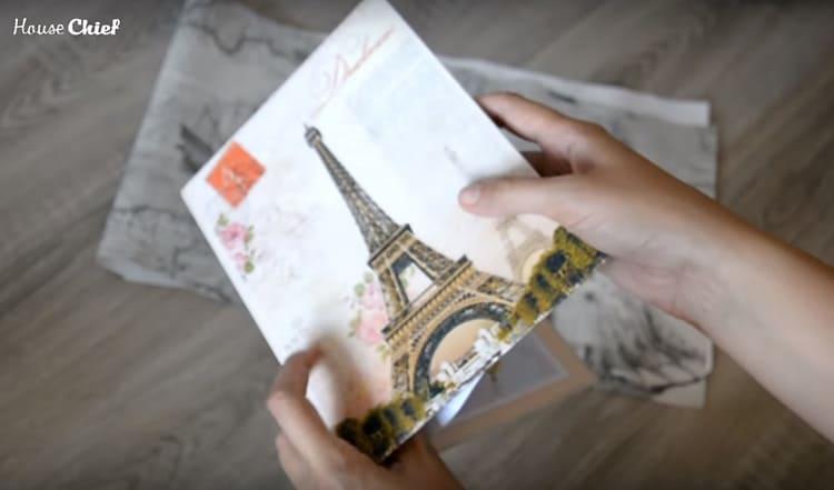 Дневники теперь выпускают в твёрдой обложке. Они, как книги, и было бы неплохо облачить её в обложку для большей сохранности