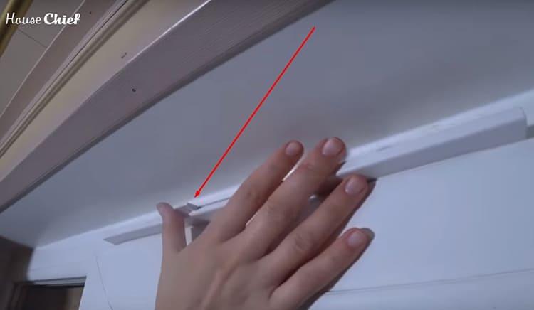 Рычаг клапана расположен прямо по его центру и легко передвигается