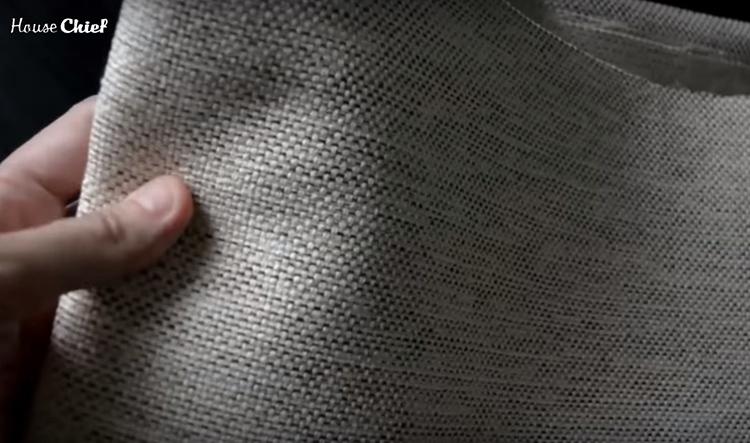 Плотное переплетение нитей и практичный материал – вот что мне понравилось в этой ткани
