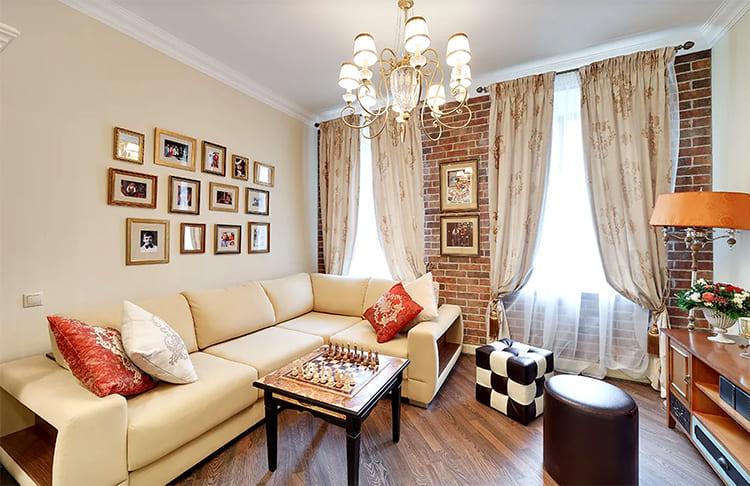 Все светильники с изящными тканевыми абажурами, Александра Олешко считает, что именно они создают в интерьере домашний уют ФОТО: nedvijdom.ru