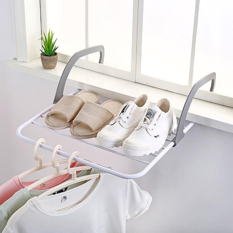 Вешалка позволит разместить самые необходимые вещи, а после сушки, её легко можно собратьФОТО: ru.aliexpress.com