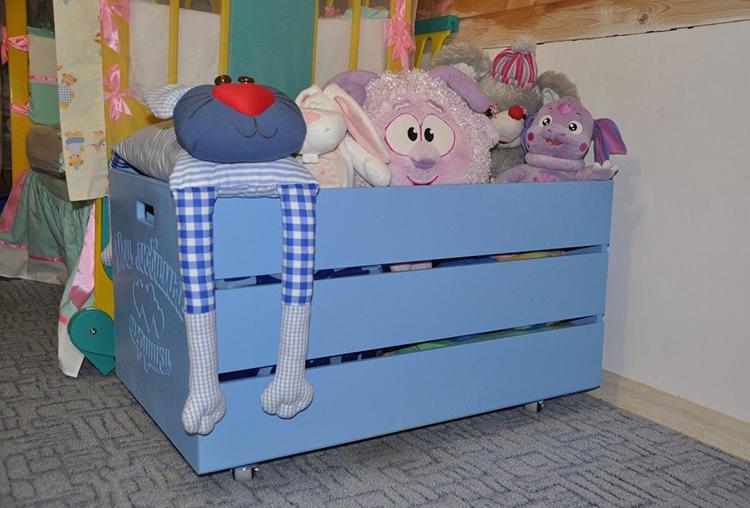 Ящик из дерева экологически безопасен, оригинален и может быть легко изготовлен своими рукамиФОТО: roomester.ru