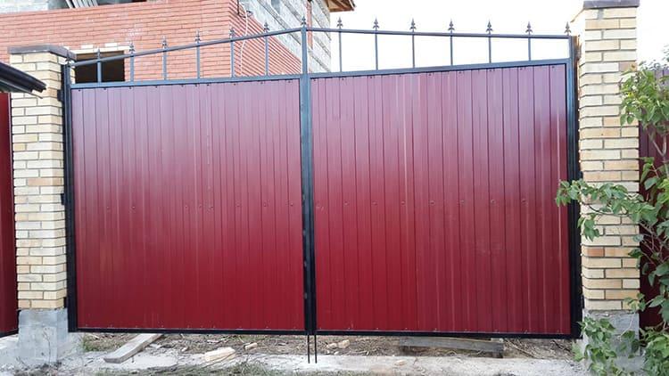 Конструктивное исполнение может отличатьсяФОТО: монтаж-забор.рф
