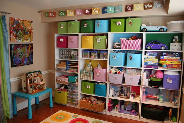 Высокие стеллажи требуют дополнительного крепления к стене или потолкуФОТО: avatars.mds.yandex.net