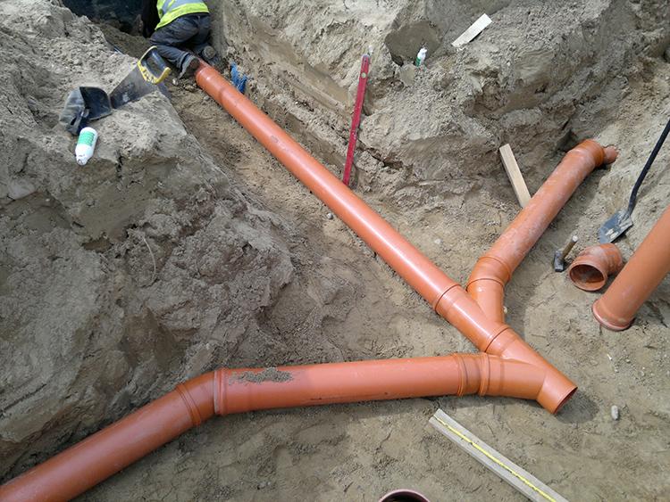 Изучаем виды и размеры, которые должны иметь трубы для канализации