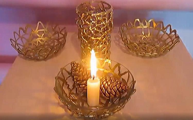 Такие кружевные вазочки можно использовать самостоятельно или вкладывать в них стеклянную форму