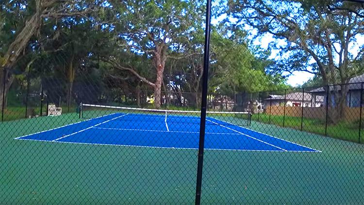 Собственный теннисный корт - настоящая американская мечта