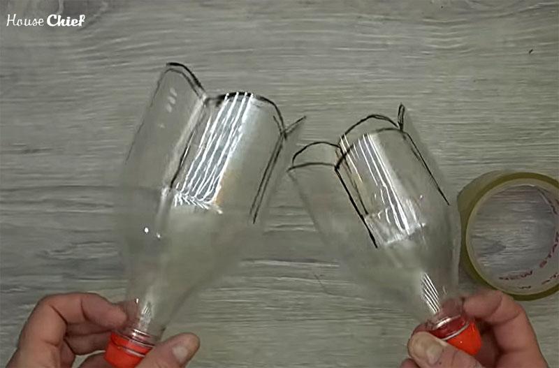 Вот две моих заготовки из бутылок разной ёмкости. По факту, верхняя часть бутылок почти не отличается друг от друга, они различаются больше по высоте