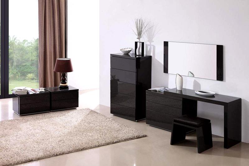 Тёмная мебель в качестве интерьерного акцента