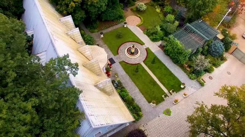 Вид сверху на родовое поместье Ольги Платоновой